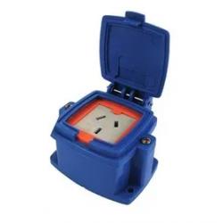 Caja capsulada montaje ext.1 toma polarizado 10a